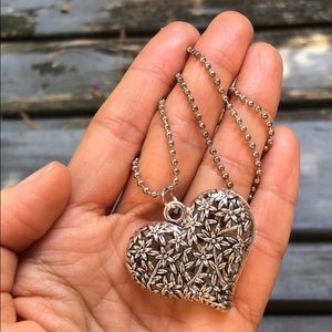 Jewelry - NWOT | Floral Hollow Heart Pendant & Necklace